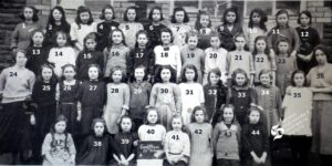 131: Coedffranc Girls' class from 1922 - we have no names for this class.